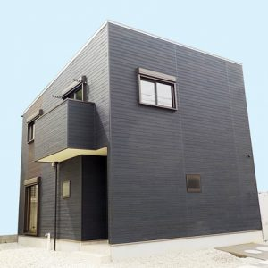 洗面所の収納スペースが広く、玄関ホールの収納スペースがとても便利♪